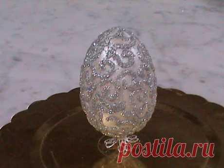 DIY/МК/ Как сделать декоративное Пасхальное яйцо на ножке с рисунком из глитера