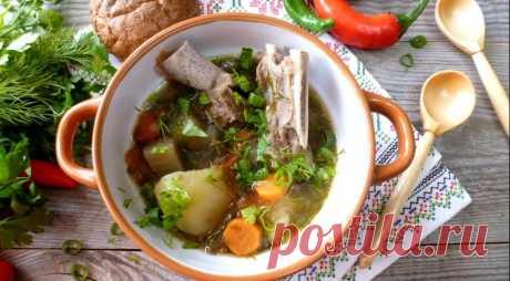 Шулюм с бараниной и овощами - ПУТЕШЕСТВУЙ ПО САЙТУ. Шулюм – это густой и наваристый суп на мясном бульоне с разными овощами. Очень-очень ароматный, очень-очень насыщенный и невероятно вкусный! Часто такой суп готовят на охоте с дичью, на костре с дымком. Представляете, как это вкусно! Шулюм не шулюм без душистой зелени, поэтому подготовьте большой пучок. ИНГРЕДИЕНТЫ баранина на косточке …