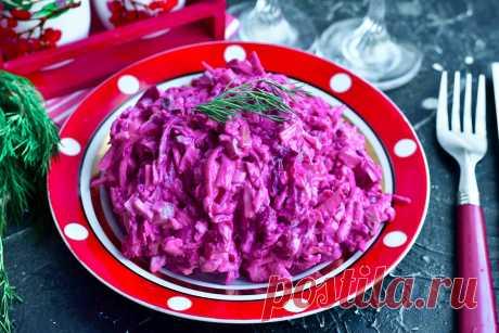 """Вкусный овощной салат """"Изюминка"""" из недорогих ингредиентов Салат «Изюминка» - это вкусный овощной салат, который готовится из недорогих ингредиентов. Заправлять готовую закуску можно майонезом или же сметаной."""