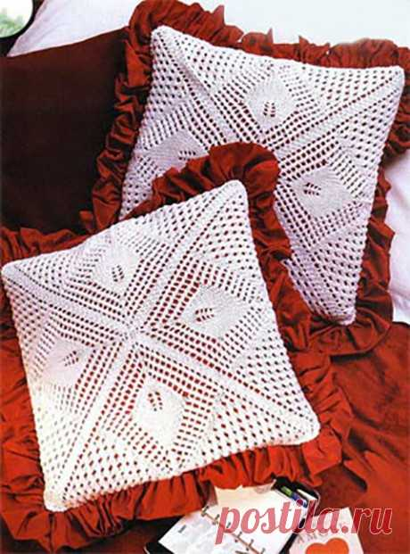 Pillow spokes, a selection from 30 models, Knitting for the house