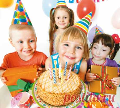 День Рождения – самый лучший праздник в году. И дети, и взрослые ждут этого дня с нетерпением, чтобы ощутить всю любовь, которую чувствуют к ним окружающие, получить подарки и услышать теплые слова поздравлений. В этой короткой сценке любимые герои малышей – чапики споют веселую песенку про День Рождения для своего друга Пузи и всех именинников.