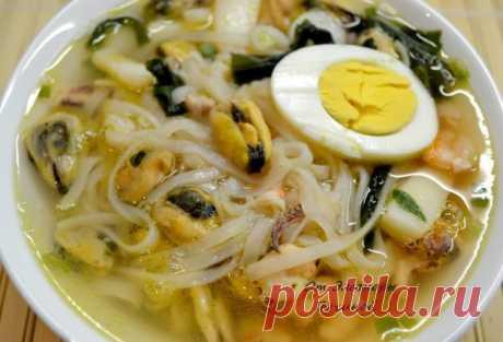 Суп с морепродуктами и рисовой вермишелью | Русская кухня