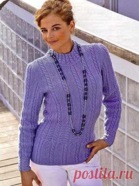 Пуловер с узором ромбы и косы спицами