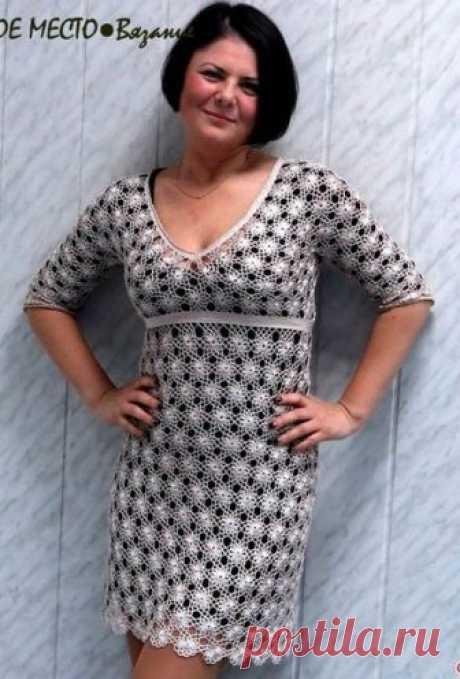Изящное платье крючком - Мир вязания и рукоделия Изящное платье, связанное крючком, напоминает поляну ромашек — словно множество…