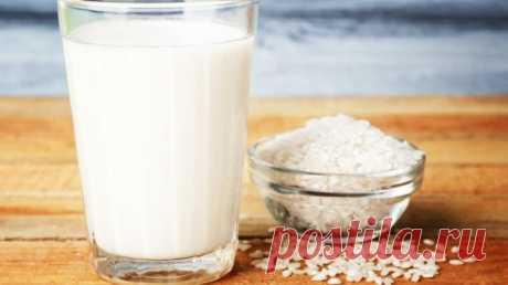 Рисовое молоко - рецепт за копейки! Растительное молоко в пост и для веганов Рисовое молоко - как приготовить в домашних условиях. Недорогой, быстрый и простой рецепт. Растительное молоко для вегетарианцев и в пост. На этом молоке очень вкусно готовить выпечку.▶ Овсяное молоко https://youtu.be/qAR9CAIOkjY Ингредиенты (на 500 мл готового молока):  Рис - 100 г. Вода...