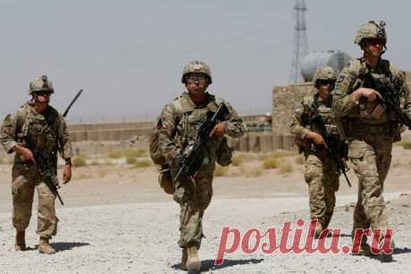СШАхотят ввести войска вКиргизию Соединенные штаты мечтают вернуть свое военное присутствие натерритории Киргизии после «выдавливания» россиянами в2014 году, «Свободная пресса».