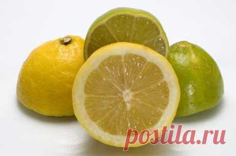 мята и лимон помогут избавиться от головной боли  Возьмите цедру лимона, слегка размочите в горячей воде или подержите на пару, чтобы она размякла. Приложите к вискам и полежите 10–15 минут.1 ч. ложку свежих листочков мяты смешайте с 1 ч. ложкой изм…