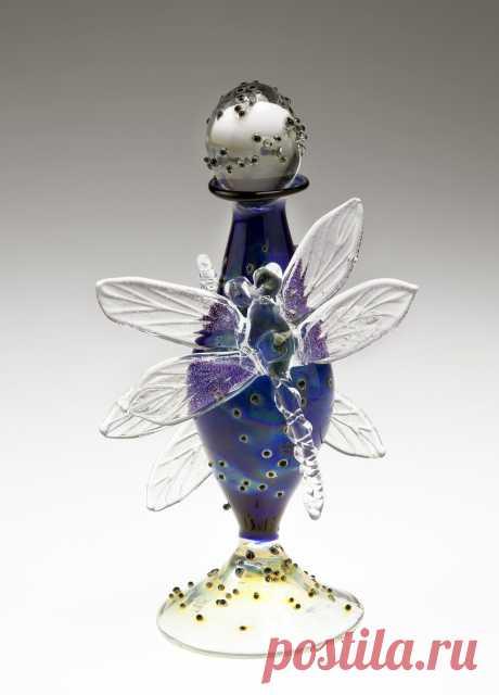 Лой Аллен и ее красивейшие флакончики для духов