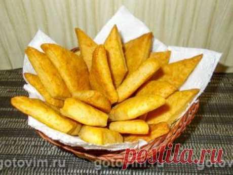 Сырное печенье на рассоле. Рецепт с фото Если огурцы и помидоры съедаются, то рассол, как правило, просто выливают. А зря! Используя рассол как основу для теста, можно испечь печенье, причем как сладкое, так и соленое. Или приготовить тесто для пиццы или пирога. Сырное печенье на рассоле получается похожим на слоеное. Пробуем?