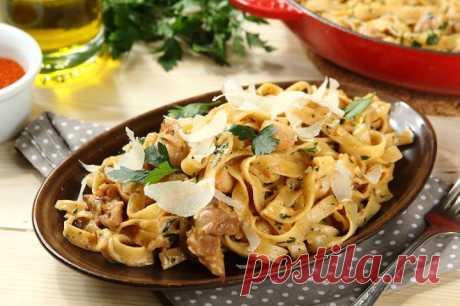 Тальятелле с курицей в сливочном соусе с чесноком – пошаговый рецепт с фото.