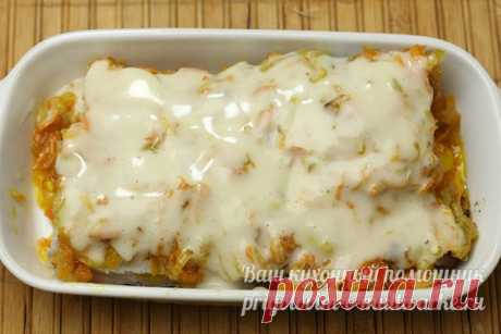 Минтай в духовке с морковью, луком и майонезом: пошаговый рецепт с фото