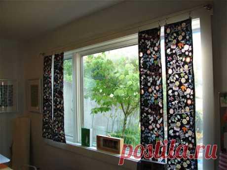 Сшить своими руками импровизированные шторы-панели Если для вашего окна не нужен полноценный занавес, можно сшить своими руками импровизированные шторы-панели. Кстати, это совсем просто. Для работы нам понадобится два вида ткани: основная и для подклада...
