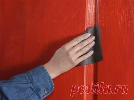 Пол, рамы, двери, покрашенные масляной краской будут блестеть