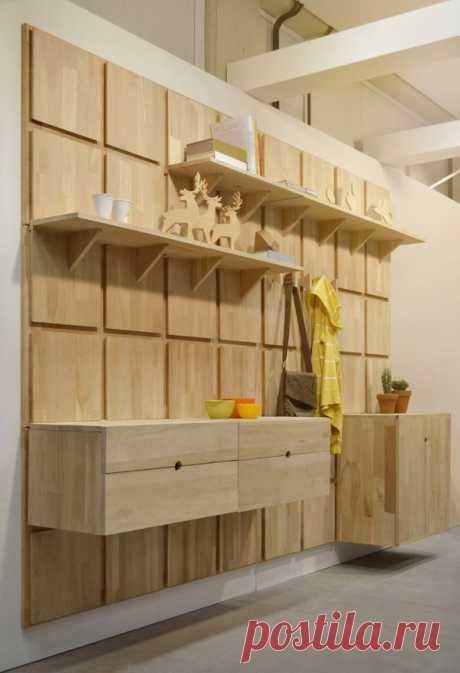 Как сделать из фанеры компактный шкафчик в прихожую В прихожих многих квартир можно встретить шкафы для одежды. Однако некоторые владельцы испытывают затруднения с их установкой в помещениях небольшой площади.