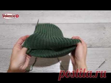 Простая шапка с фиксированым отворотом спицами