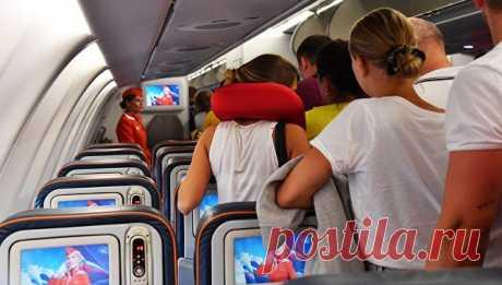 Почему опасно спать в самолете? / Будьте здоровы