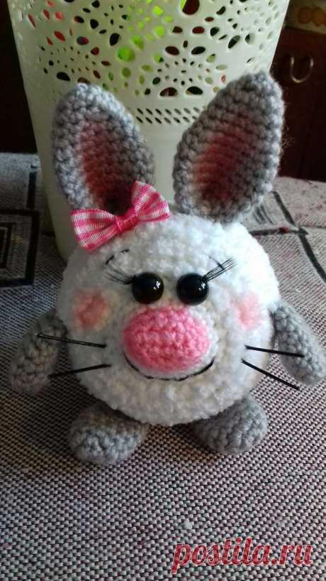 PDF Пасхальный зай Зюля. FREE amigurumi crochet pattern. Бесплатный мастер-класс, схема и описание для вязания амигуруми крючком. Вяжем игрушки своими руками! Зайка, кролик, заяц, зайчик, rabbit, hare, bunny, hase, lebre, lapin, coelhinho. #амигуруми #amigurumi #amigurumidoll #amigurumipattern #freepattern #freecrochetpatterns #crochetpattern #crochetdoll #crochettutorial #patternsforcrochet #вязание #вязаниекрючком #handmadedoll #рукоделие #ручнаяработа #pattern #tutorial #häkeln #amigurumis