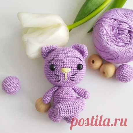 PDF Котёнок крючком. FREE crochet pattern; Аmigurumi doll patterns. Амигуруми схемы и описания на русском. Вязаные игрушки и поделки своими руками  #amimore - котик, кот, кошечка, кошка, котенок, cat, kitten, gato, gatito, gatinho, chat, minou, kitty, kätzchen. Amigurumi doll pattern free; amigurumi patterns; amigurumi crochet; amigurumi crochet patterns; amigurumi patterns free; amigurumi today.