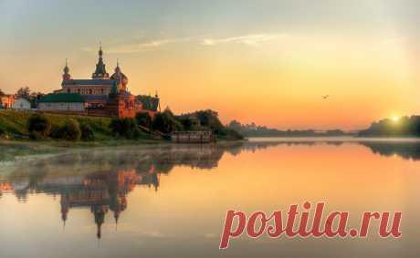 La aldea la Ládoga Vieja, Rusia. El autor de la foto — Edward Gordeev: nat-geo.ru\/photo\/user\/116944\/