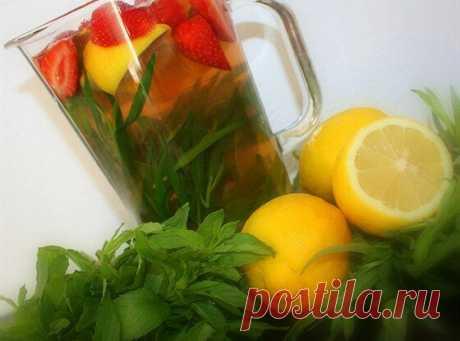 Лимонад с мятой, тархуном и клубникой | Еда.ру | Яндекс Дзен