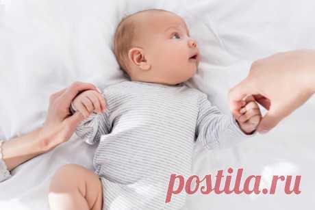 Язык тела малыша: 7 движений, которые расскажут, чего хочет ребенок