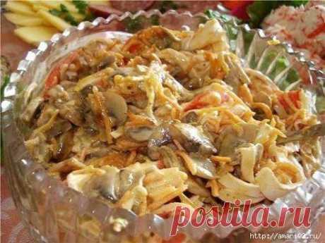 Салат из крабовых палочек с грибами..