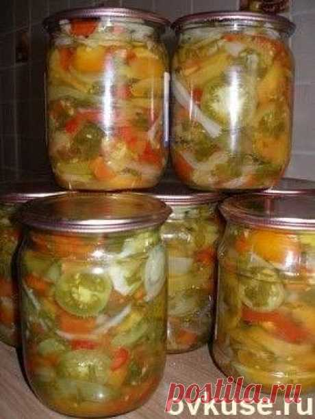 Salad for the winter from green tomatoes - Simple recipes of Овкусе.ру