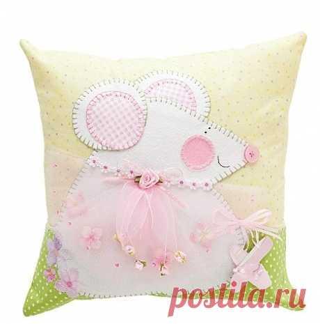 Идеи декоративных подушек в детскую комнату