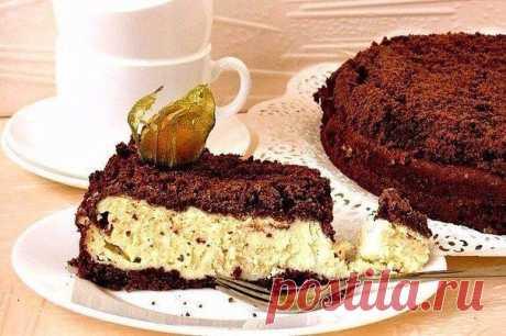 Попробуй приготовить этот шоколадно-творожный пирог — это очень просто!    Ингредиенты:  Мука (основа) — 400 г Масло сливочное (основа) — 250 г Какао (порошок, основа) — 4 ст. л. Сахар (основа+начинка) — 100 г + 150 г Творог (начинка) — 600 г Яйца куриные (начинка) — 4–5 шт. Сметана (начинка) — 200 мл Крахмал (начинка) — 2 ст. л. Ванилин (начинка) — 1 ч. л.  Приготовление:  1. Для основы растереть мягкое сливочное масло с сахаром. 2. Добавить какао. Затем добавить муку. Пе...