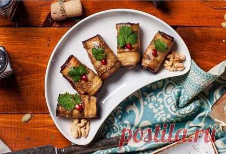 Рулетики избаклажана сореховой пастой иаджикой - рецепт с фото, рецепт приготовления в домашних условиях