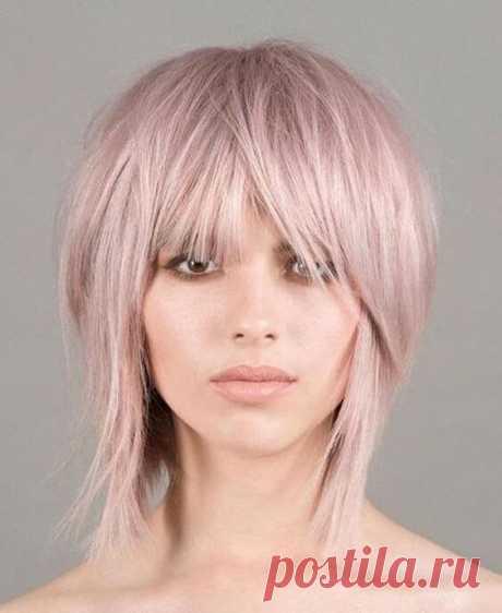 Стильные короткие стрижки и прически на волосы средней длины