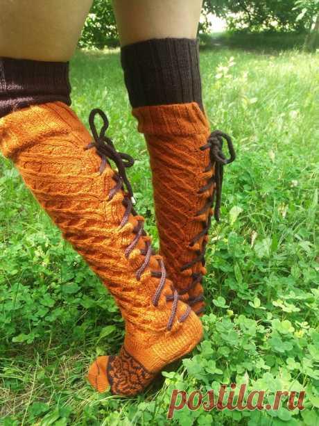 """носки гетры гольфы вяжу на заказ....использую качественную пряжу.... фантазируйте и придумывайте """"одежку"""" для своих ножек и я помогу осуществить вашу идею... 0958614267 на фото моя работа"""