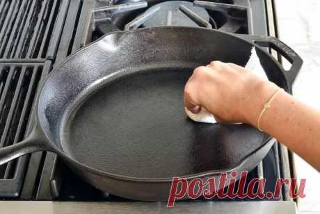 Убираем десятилетний нагар на сковородке без химии
