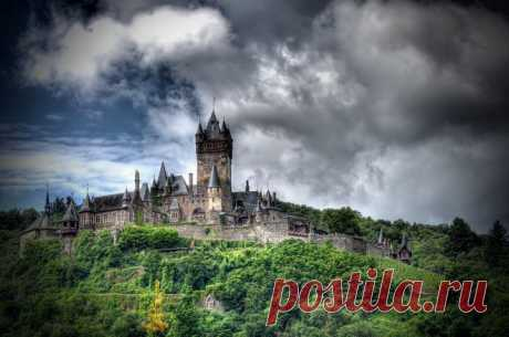 (+1) тема - Тысячелетняя имперская крепость: великолепный замок Райхсбург в Кохеме   Среда обитания