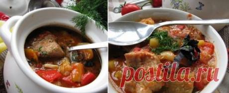 Суп «Кавказский» с ребрышками — всем супам суп!  Аромат на весь дом!Ингредиенты: 500-700 г свиных или бараньих ребрышек(в зависимости от кастрюли и количества едоков),7-8 штучек болгарского перца разных цветов,3 луковицы, 3 баклажана, 1 кг сочных п…