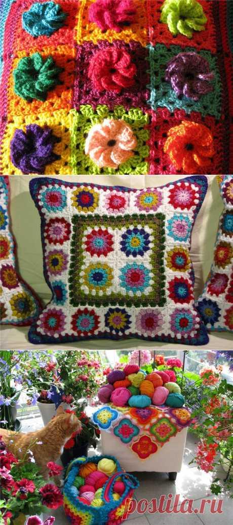 Яркие вязанный текстиль в доме от Elizabeth Cat. Мне кажется уже, право, нужно перестать считать  все вязанное несовременным. А наоборот полюбить с новой силой. Рукоделье опять в моде