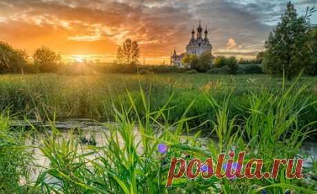Храмы Подмосковья — сбор пазла — Пазлы онлайн