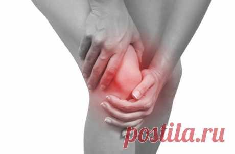 Способы лечения боли в коленном суставе  Боль в колене – неприятный симптом, который может свидетельствовать о разных заболеваниях, и определить, какое именно заболевание «виновато», должен помочь врач. Если не было травм, ушибов, растяжени…
