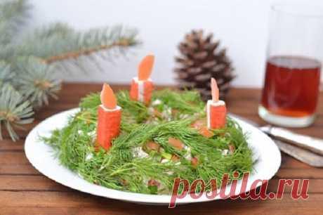 САЛАТ «Новогодний венок» - Что приготовить на ... ИНГРЕДИЕНТЫ: для рецепта новогоднего салата на 5 порций: рис - 1 стакан, отварные креветки - 300 грамм, крабовые палочки для украшения...