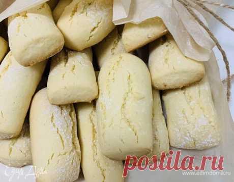 Рассыпчатое ароматное печенье . Ингредиенты: мука, сахар, растительное масло