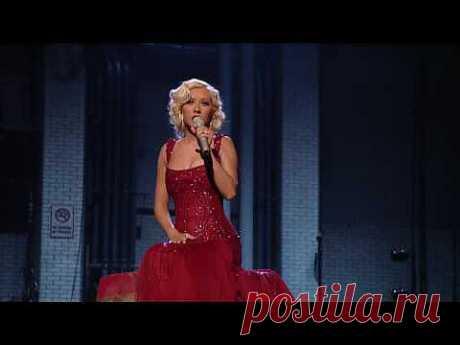 ▶ Christina Aguilera - Hurt + Lyrics (Live) HD HQ - YouTube