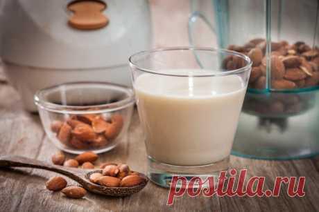 РЕЦЕПТ ДНЯ - МОЛОКО ИЗ УРБЕЧА ⠀⠀⠀⠀⠀⠀⠀⠀⠀⠀⠀⠀⠀⠀⠀⠀⠀⠀⠀⠀⠀⠀ Ореховое молоко — прекрасная замена коровьего молока для тех, кто по каким-то причинам не может или не хочет его пить.