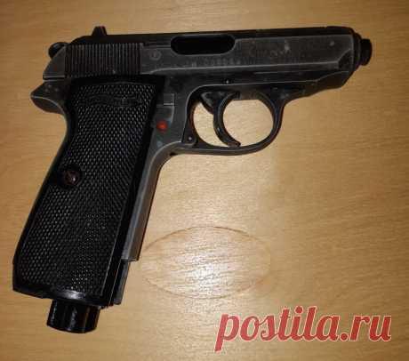 Пистолет пневматический Walther кал. 4.5 мм На запчасти. Производство Япония.  Геометрические размеры : 155 х 135 х 35 мм. Вес : 0.5 кг. Утраты : магазин, неисправен УСМ.   Цена : 1200 руб.  Купить сейчас :   #ПистолетПневматическийWalther #ПистолетWaltherНаЗапчасти #ПневматическоеОружие #ПистолетWaltherЯпония