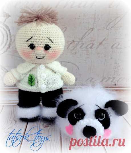 PDF Пупс в костюме панды. FREE amigurumi crochet pattern. Бесплатный мастер-класс, схема и описание для вязания игрушки амигуруми крючком. Вяжем игрушки своими руками! Куколка, кукла, doll, puppet, puppe, marioneta, fantoche. #амигуруми #amigurumi #amigurumidoll #amigurumipattern #freepattern #freecrochetpatterns #crochetpattern #crochetdoll #crochettutorial #patternsforcrochet #вязание #вязаниекрючком #handmadedoll #рукоделие #ручнаяработа #pattern #tutorial #häkeln #amigurumis #dolls