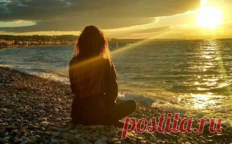Проблема одиночества всегда волновала и волнует многих, не только хрупких эмоциональных женщин, но и сильных мужчин. Сегодня вы узнаете, как избавиться от одиночества и где женщине найти силы для построения счастливых отношений. Вместе мы разберем практические советы по спасению от этого чувства ненужности, рассмотрим причины и даже поговорим о том, как...