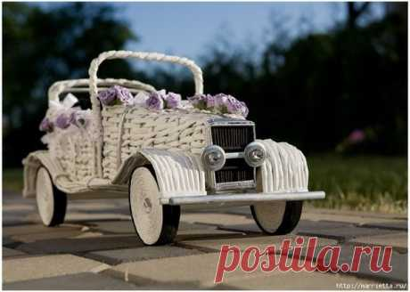 Декоративное кашпо-автомобиль из бумажных трубочек