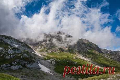 Горная вершина Пшеха-Су, Адыгея, Россия. Автор фото –Andrey Kosyanenko: Доброе утро!