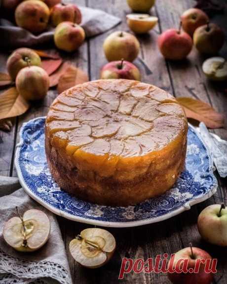 Шарлотка с обжаренными яблоками — Sloosh – кулинарные рецепты
