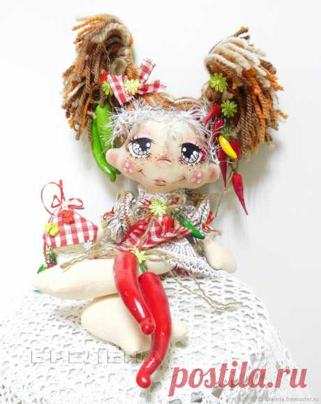 Авторская кукла Домовушка Перчик.Текстильная интерьерная кукла – купить на Ярмарке Мастеров – N3544RU | Игрушки, Месягутово Авторская кукла Домовушка Перчик.Текстильная интерьерная кукла в интернет-магазине на Ярмарке Мастеров. Текстильная интерьерная кукла Домовушка Перчик – это забавная и милая Хранительница семейного очага, в нарядном и уютном лоскутном платьице.