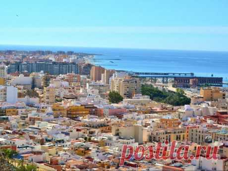 Обзорная экскурсия в Альмерии - достопримечательности города на пляже | Туризм в Испании Обзор достопримечательностей города Альмерия - экскурсия в столице провинции Альмерии, прогулка по городу в сопровождении профессионального гида-экскурсовода для групп и индивидуальных туристов